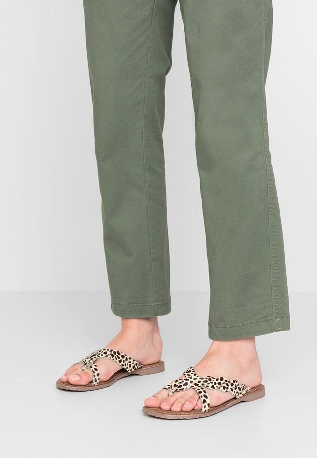 Sandály s odděleným palcem - beige