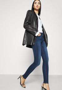 ONLY - ONLPAOLA LIFE - Jeans Skinny - dark blue denim - 3