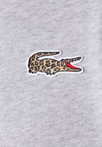 Lacoste - LACOSTE X NATIONAL GEOGRAPHIC - Collegepaita - silver chine - 6