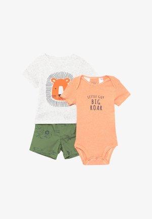 LION SET - Shorts - khaki/light grey