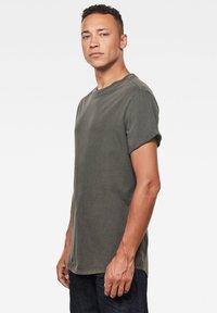 G-Star - LASH ROUND SHORT SLEEVE - Basic T-shirt - asfalt gd - 2