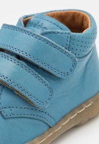 Froddo - KART UNISEX - Zapatos con cierre adhesivo - jeans - 5