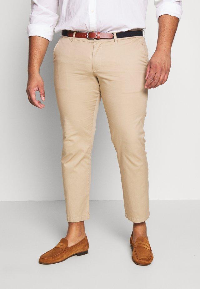 SLHSLIM YARD PANTS - Pantalones chinos - white pepper