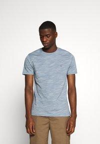 AllSaints - OWEN CREW - Print T-shirt - enamel blue - 0