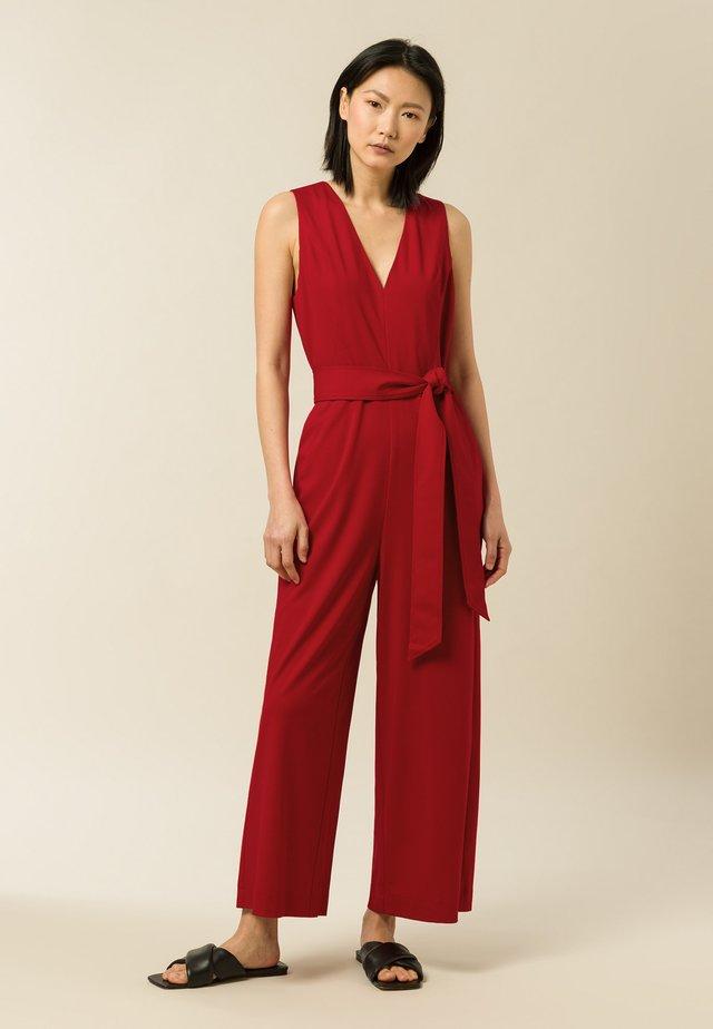 Overall / Jumpsuit /Buksedragter - garnet red