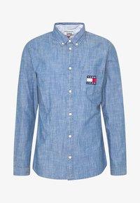 Tommy Jeans - TJM CHAMBRAY BADGE SHIRT - Shirt - mid indigo - 4