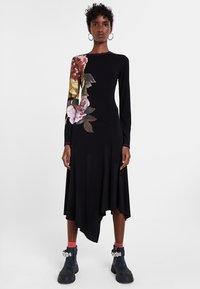 Desigual - VEST_ROSE - Day dress - black - 0