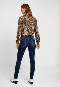 Le Temps Des Cerises - PULPHISL - Slim fit jeans - blue - 2