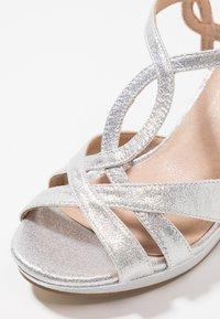 Menbur - Sandaler med høye hæler - silver - 2