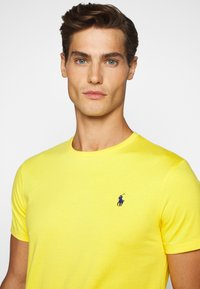 Polo Ralph Lauren - T-shirt basic - yellowfin - 5