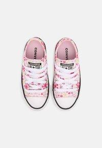 Converse - CHUCK TAYLOR ALL STAR OX UNISEX - Zapatillas - white/pink/black - 3