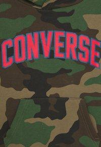 Converse - COLLEGIATE CAMO HOODIE - Hoodie - dusky green - 2