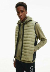 Calvin Klein - CRINKLE VEST - Waistcoat - delta green - 0