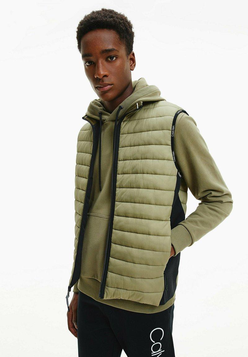 Calvin Klein - CRINKLE VEST - Waistcoat - delta green