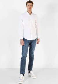 Scalpers - Shirt - white - 1