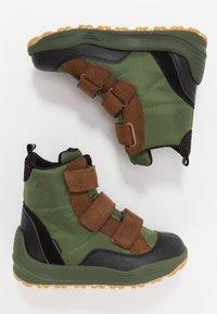 Woden - ADRIAN - Winter boots - pine tree green - 0