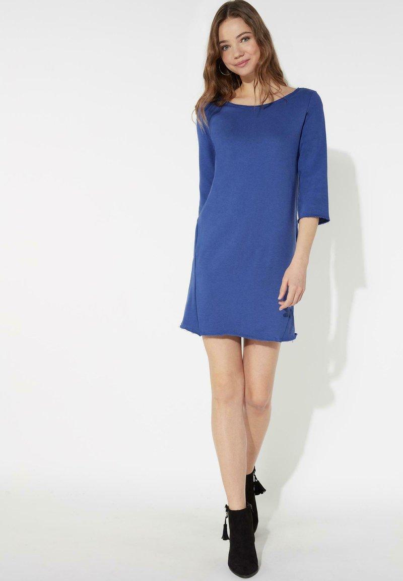 Tezenis - MIT U-BOOT-AUSSCHNITT - Jersey dress - cobalt