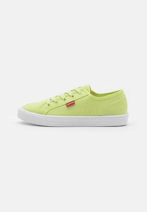MALIBU BEACH  - Trainers - light green