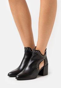 Steve Madden - JASTINA - Ankle boots - black - 0