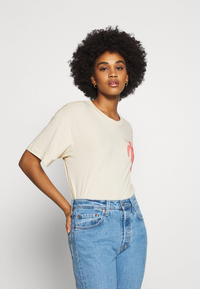 Monki - MAI TEE - Print T-shirt - beige placement print