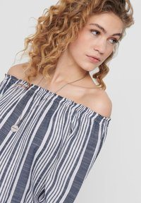 ONLY - OFF SHOULDER TOP GESTREIFTES - Blouse - cloud dancer - 3