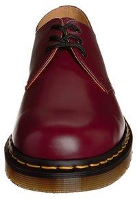 Dr. Martens - 1461- 3 EYE SHOE - Sznurowane obuwie sportowe - cherry red - 3