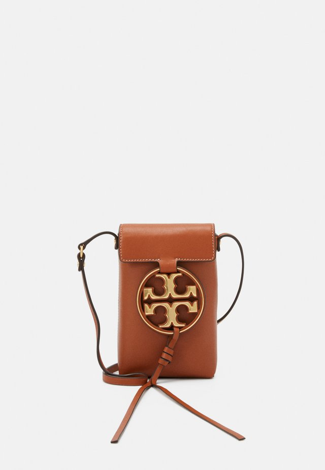 MILLER PHONE CROSSBODY - Across body bag - aged camello