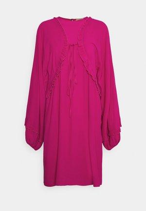 Robe d'été - fuxia