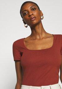 Anna Field - Basic T-shirt - brown - 4