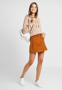 ONLY - ONLAMAZING SKIRT - Jupe trapèze - rustic brown - 1