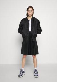 Calvin Klein Jeans - SLIM 2 PACK - Triko spotiskem - bright white - 0