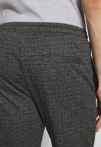 Zign - Pintuck Pleat - Trainingsbroek - dark gray - 4