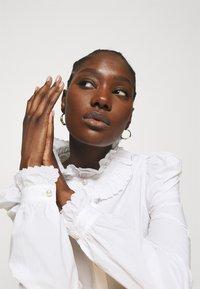 Custommade - BLANCA - Blouse - bright white - 4