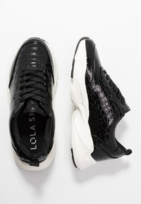 Dorothy Perkins - LOLA SKYE LINCON CHUNKY LACE UP TRAINER - Trainers - black - 3