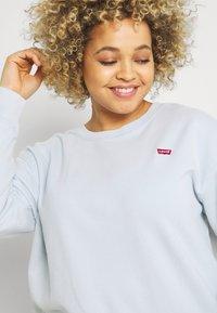 Levi's® Plus - STANDARD CREW - Sweatshirt - plein air - 3
