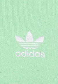 adidas Originals - ESSENTIAL ORIGINALS ADICOLOR HOODIE UNISEX - Bluza z kapturem - glory mint - 6