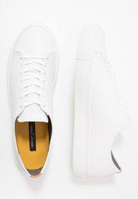 Sneaky Steve - LESS - Sneakers - white - 1