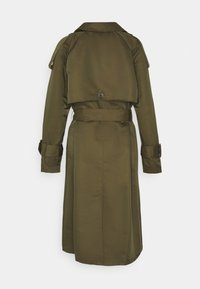 Object - OBJMETTE - Trenchcoat - forest night - 1