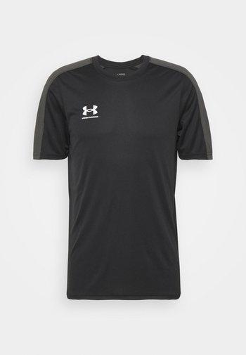 CHALLENGER TRAINING - T-shirts med print - black/white
