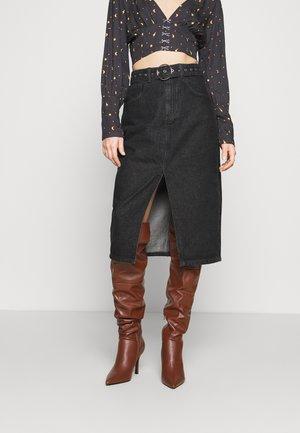 SKIRT WITH BUCKLE BELT - Pencil skirt - black