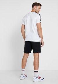Champion - BERMUDA - Pantalón corto de deporte - black - 2