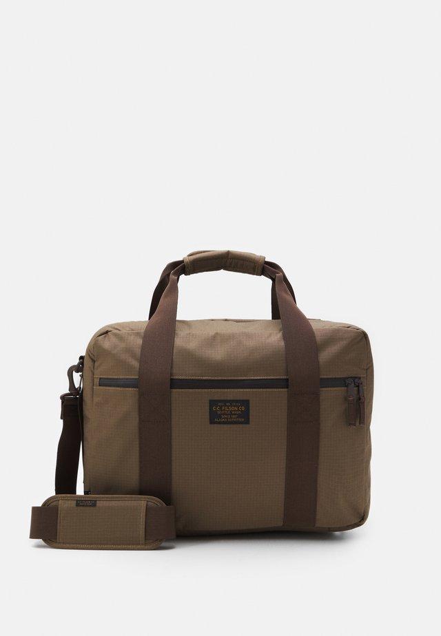 RIPSTOP PULLMAN - Weekendbag - fieldtan
