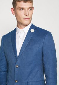 Isaac Dewhirst - WEDDING COLLECTION - SLIM FIT SUIT - Garnitur - blue - 6