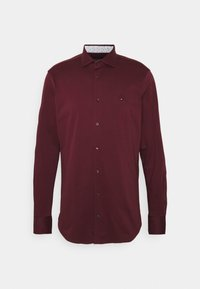 Tommy Hilfiger Tailored - SOLID SLIM SHIRT - Formal shirt - deep rouge/white - 0