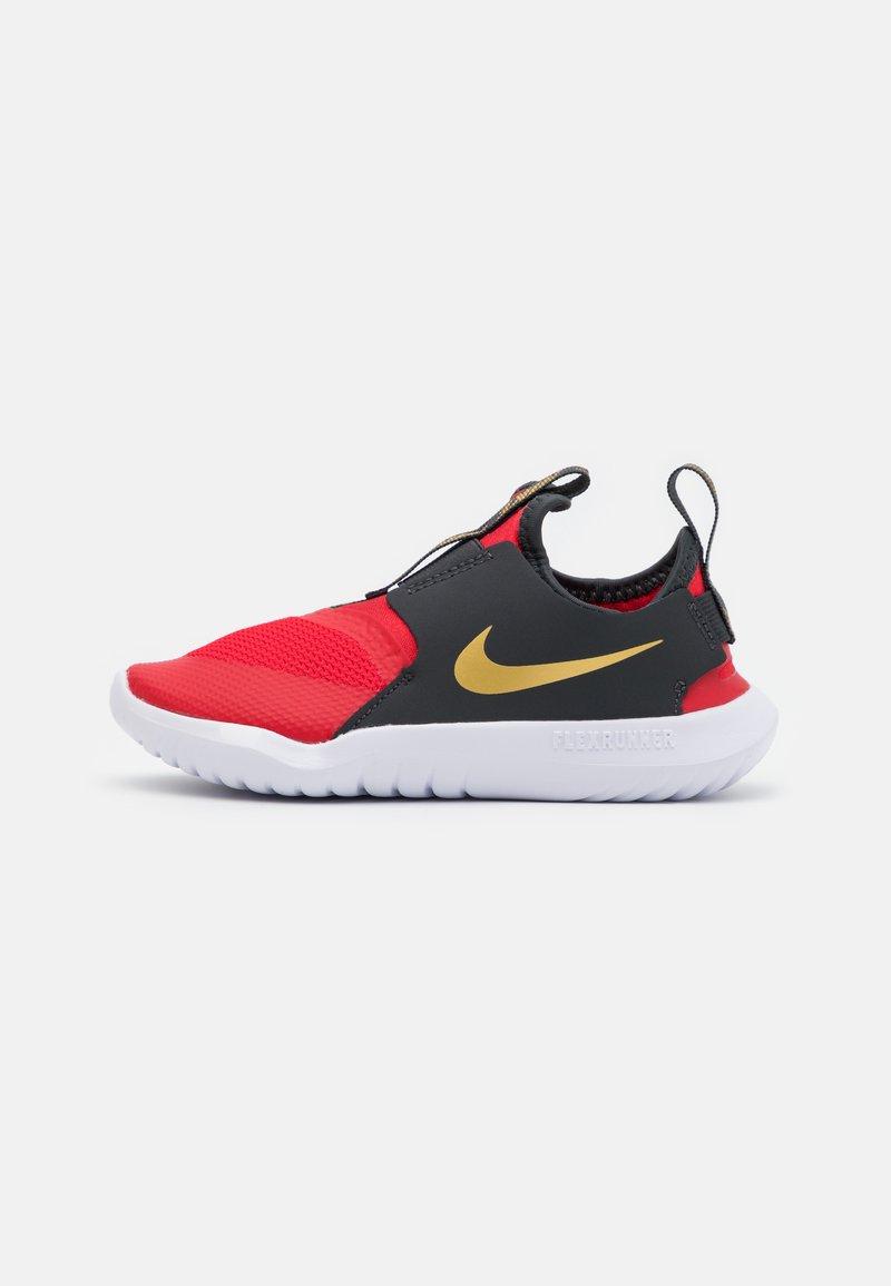 Nike Performance - FLEX RUNNER UNISEX - Neutrala löparskor - university red/metallic gold/dark smoke grey/white