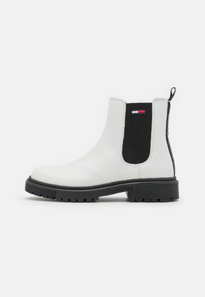 BRANDED TAPE CHELSEA BOOT - Classic ankle boots - ecru