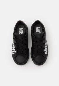 MOSCHINO - UNISEX - High-top trainers - black/white - 3