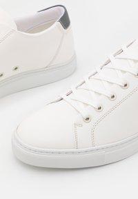 ETQ - COURT LITE - Sneakers laag - white/anthracite - 5