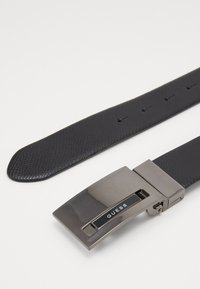 Guess - REVERSIBLE AND ADJUSTABLE BELT - Gürtel - black - 3