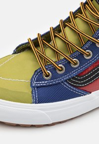Vans - SK8 MTE 2.0 DX UNISEX - Korkeavartiset tennarit - multicolor/black - 5